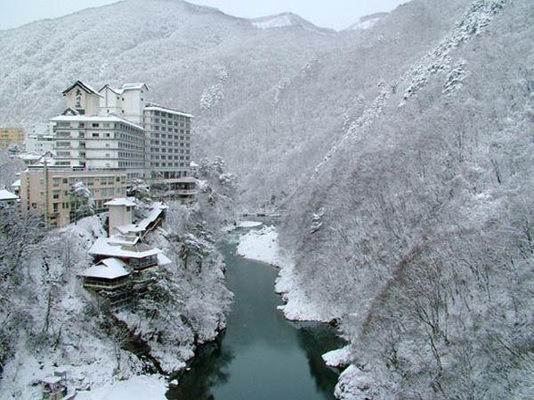 テレビで放映された、大川荘自慢の露天風呂にはいりにきなんしょ!好評につき延長決定!