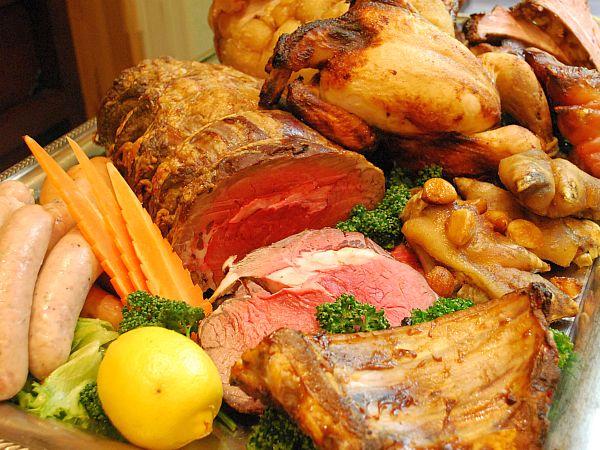大川荘の「肉祭り」!本日スタート!